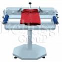 Ręczna maszyna do składania koszul, prosta w użytkowaniu, pozwala oszczędzać czas.