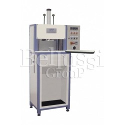 Machine P90 for embossing cups with one form