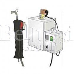 Separator pary z elektrozaworem i regulacją pary. Posiada gniazdo do żelazka i pistolet powietrzno-parowy z dwoma przyciskami do