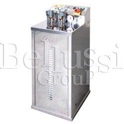 Wytwornica pary FB/F 7 L 4 KW INOX z pompą wirową i podłączeniem do dwóch żelazek